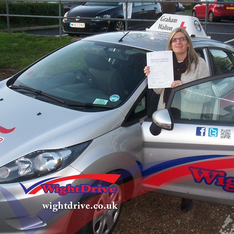 sue-kemp-driving-test-pass-2014-with-graham-walton-isle-of-wight-driving-instructor